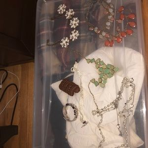 Accessories - Bundle of jewelry